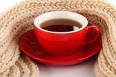 白で隔離されるスカーフ茶のカップ — ストック写真