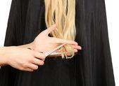 Cabello corte de pelo rubio sobre fondo blanco — Foto de Stock