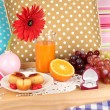 Breakfast in bed on Valentine's Day close-up — Stock Photo