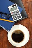 Чашка кофе на Рабочий стол крупным планом — Стоковое фото