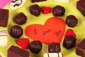 Mezcla de galletas dulces en primer plano de la placa — Foto de Stock