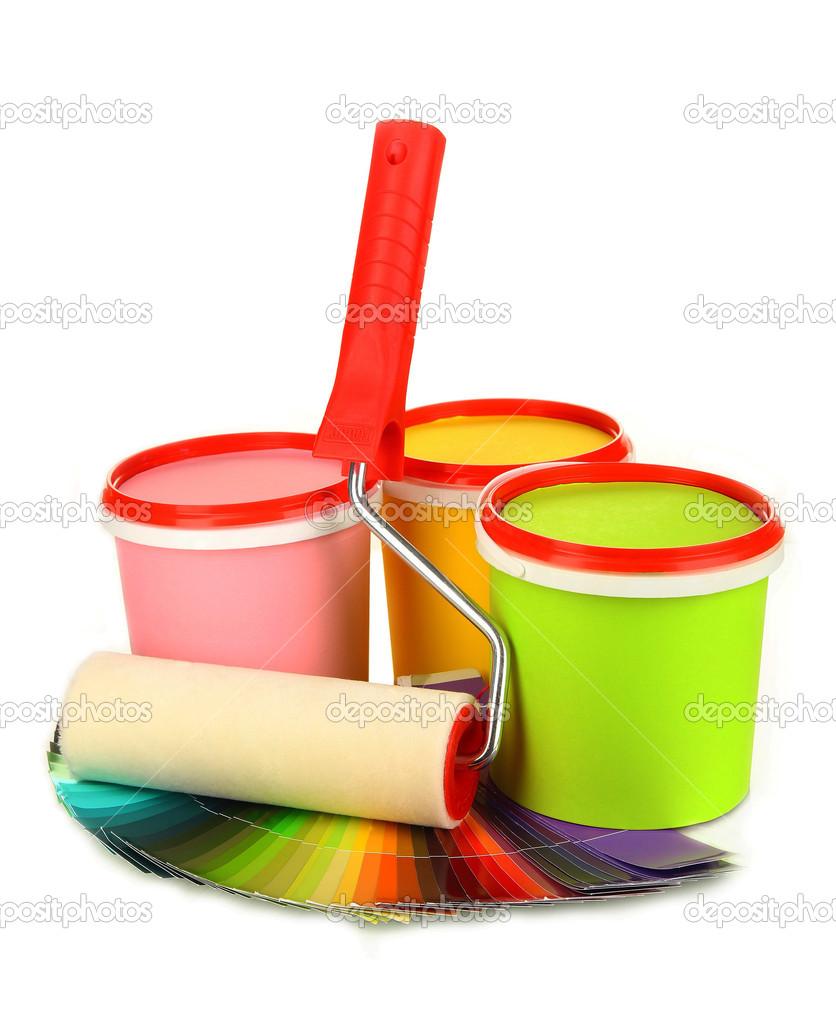 pour la peinture peindre les pots pinceaux rouleau peinture palette de couleurs isol sur. Black Bedroom Furniture Sets. Home Design Ideas