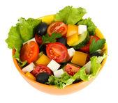 Sabrosa ensalada griega aislado en blanco — Foto de Stock
