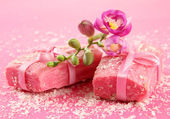 Natural handmade soap, on pink background — Stock Photo
