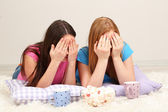 Two girl friends Two girls girlfriends spend their leisure time together on room — Stock Photo