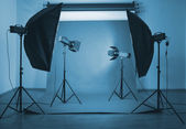 Photo studio with lighting equipment — 图库照片