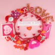 Circular composition Valentine's Day on pink background — Foto de Stock