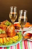 Banquet table with roast chicken on brown background close-up. Thanksgiving Day — Stock Photo