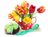 Easter composition with fresh tulips and easter eggs isolated on white — Stock Photo