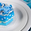 Blue gift for guests on wedding table close-up — ストック写真