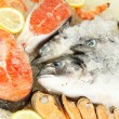 Fresh seafood on ice — Stockfoto