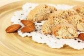 木の板のクローズ アップの芳香族のクッキー cantuccini — ストック写真