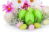 Ostern kerzen mit blumen hautnah — Stockfoto