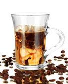 Kawa na zimno z lodem w szkło na białym tle — Zdjęcie stockowe