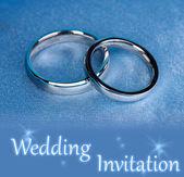 Wedding rings on satin pillow close-up — Stock Photo