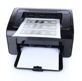 Printer afdrukken nep dollarbiljetten geïsoleerd op wit — Stockfoto