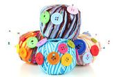 Colorful buttons and multicolor wool balls, isolated on white — Stock Photo