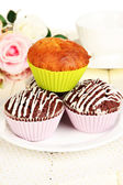 Sweet cupcakes close up — Stockfoto