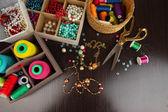 Χώρο εργασίας του close-up maker Καταστήματα Κοσμημάτων-Κοσμήματα — Φωτογραφία Αρχείου