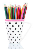 Barevné tužky v poháru izolovaných na bílém — Stock fotografie
