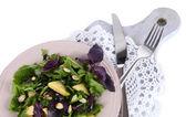 Insalata leggera su piastra isolato su bianco — Foto Stock