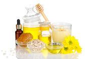 Spa de miel perfumada con aceites y miel aislado en blanco — Foto de Stock