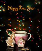 Tasse kaffee mit urlaub candy auf christmas lights hintergrund — Stockfoto