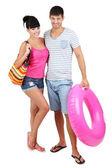 Bella coppia di innamorati a vacanze estive isolato su bianco — Foto Stock
