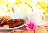 Cherry Pie with tea on table on bright background — Stock Photo