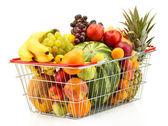 Asortyment egzotycznych owoców w kosz metal na białym tle — Zdjęcie stockowe
