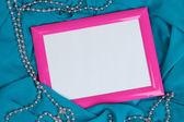 Prázdný rámeček na krásné hedvábné pozadí — Stock fotografie