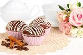 сладкие шоколадные кексы крупным планом — Стоковое фото