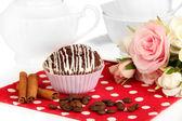 Sweet chocolate cupcake close up — Stockfoto