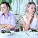 Kochankowie są nieszczęśliwi z powodu trudnej Data — Zdjęcie stockowe
