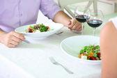 Romantisk middag på restaurang — Stockfoto