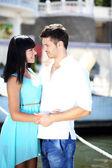 Piękna młoda para romantyczny — Zdjęcie stockowe