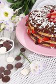 шоколадный торт на деревянный стол крупным планом — Стоковое фото