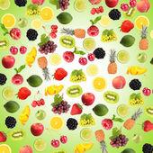 Разные фрукты и ягоды на синем фоне — Стоковое фото