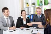Solicitantes de empleo con entrevista — Foto de Stock