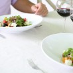 Romantic dinner at restaurant — Stock Photo #30403965
