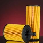 auto olejové filtry na tmavou barvu pozadí — Stock fotografie