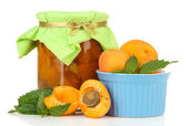 Apricot jam in glass jar and fresh apricots, isolated on white — Stock Photo