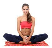 Fille jeune belle remise en forme, faire des exercices d'yoga isolé sur blanc — Photo
