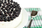 Cheesecake with fresh berries on white plate closeup — Stock Photo