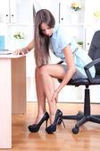 Jonge zakenvrouw in office — Stockfoto