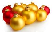 Lindas bolas de Natal, isoladas no branco — Fotografia Stock