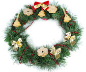 Christmas wreath decorated with cookies isolated on white — Stock fotografie