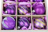 Weihnachten spielzeug in holzkiste-nahaufnahme — Stockfoto