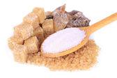 Verschiedene arten von zucker isoliert auf weiss — Stockfoto