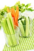 メガネ白い背景の上に野菜と新鮮な緑色のセロリ — ストック写真